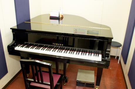 ピアノレッスンルーム